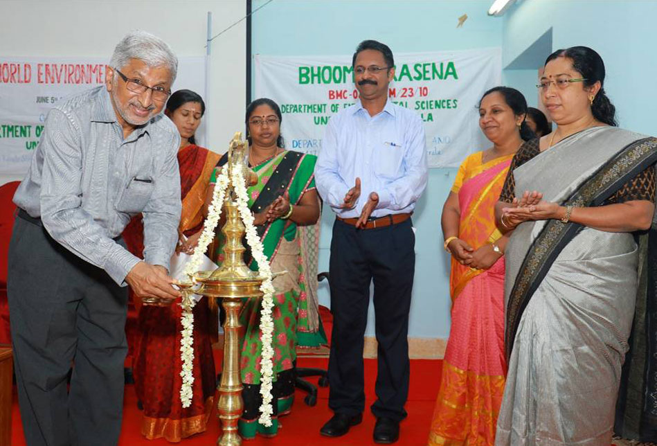 Seminar on World Env. Day organized by the Dept. of Environmental Sciences, Univ. of Kerala was inaugurated by Prof. Dr. Oomen V. Oomen, Director,  Kerala State Biodiversity Board.
